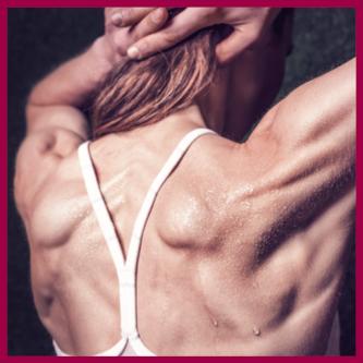 Pocenie Stóp powstaje w gruczołach potowych Spocone plecy kobiety po terningu